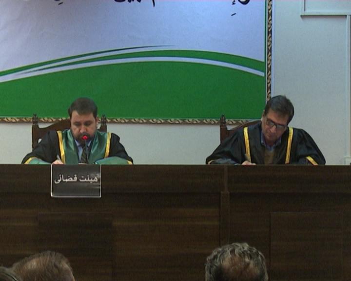 یک کارمند ریاست مالیه دهندگان متوسط وزارت مالیه به ده سال حبس محکوم شد