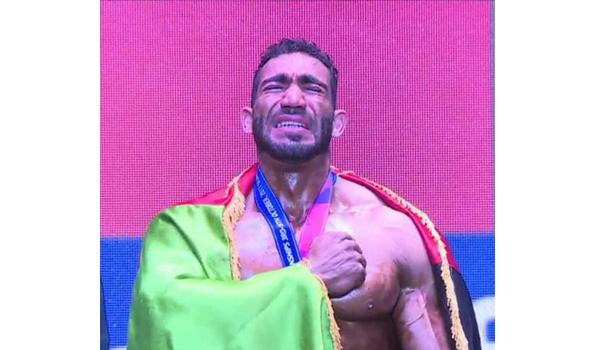یاسین قادری ورزشکار افغان در رقابت های پرورش اندام آماتور جهان مدال طلا گرفت