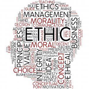 اخلاق بر دین مقدَّم است؟