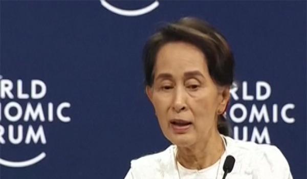 انتقاد دیوان بین المللی دادگستری از آنگ سان سوچی رهبر میانمار