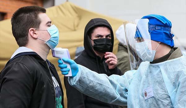 روسیه به خاطر کنترل شیوع بیشتر ویروس کرونا محدودیت وضع میکند